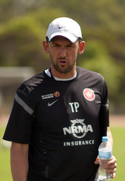 Tony Popovic Managing Western Sydney Wanderers Training.png